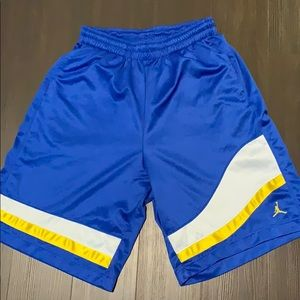 Air Jordan basketball shorts size Large Dri-fit